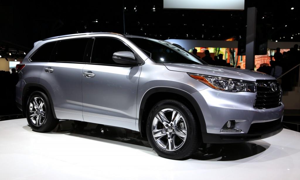 Новий Toyota Highlander визнаний самим безпечним авто за версією IIHS