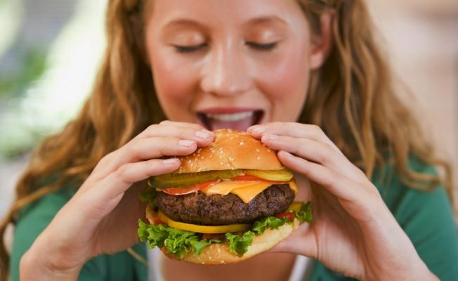 Продукти-«наркотики»: їжа, яка викликає звикання