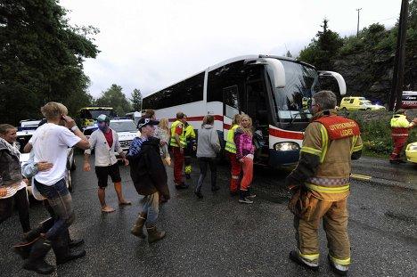 Київ пообіцяв в понеділок приступити до евакуації людей із зони АТО