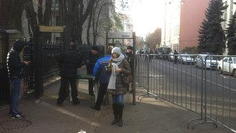 Донецьк почав жити за московським часом і забув про вибори