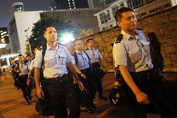 Гонконг: демонстранти продовжують протести в урядовому кварталі
