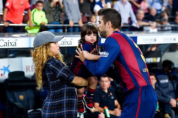 Вагітна Шакіра відвідала футбольний матч за участю свого чоловіка