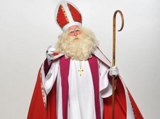 У Києві Святий Миколай потіснив Діда Мороза