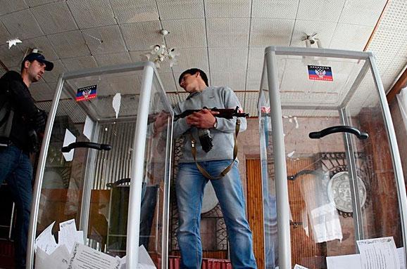 Російські ЗМІ: Спостерігачі зафіксували високу явку на виборах в ДНР