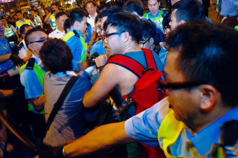 Протести в Гонконзі «зайшли занадто далеко»