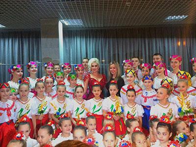Екатерина Бужинская получила награду за песню «Україна-це ми!»