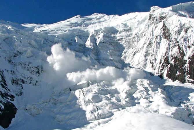 На Івано-Франківщині в горах лавини та сильний вітер