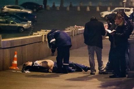 Фото з місця вбивства Бориса Нємцова
