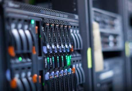 Що вибрати – VDS або виділений сервер?
