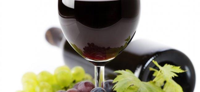 Яку користь організму несе вживання бокалу вина в день