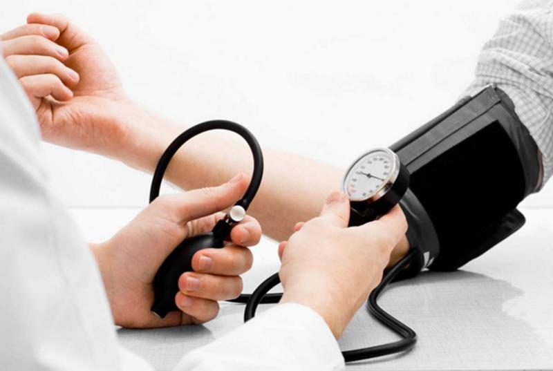 Высокое давление как признак артериальной гипертензии: причины, лечение, последствия.