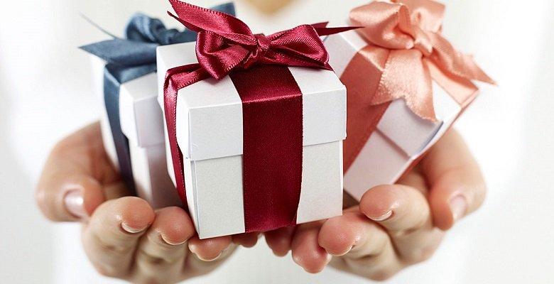 Какой подарок можно сделать любимому человеку?