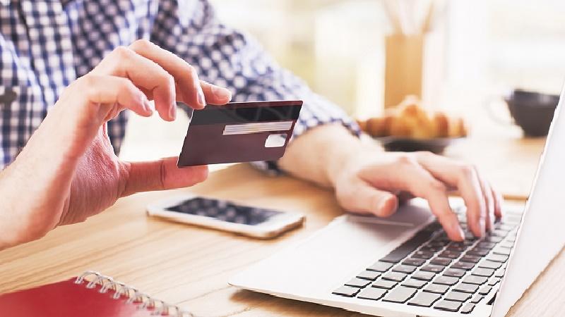 Наскільки реально взяти онлайн кредит на карту в Україні