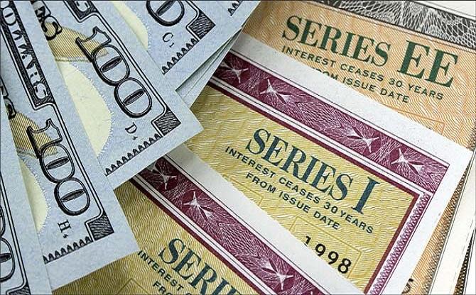 Як зберегти та примножити зароблені гроші