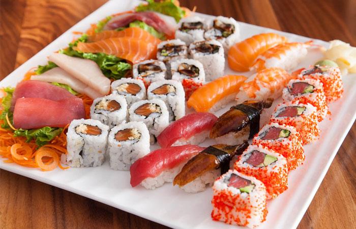 Где в Мелитополе суши и роллы с бесплатной доставкой — обзор заведений